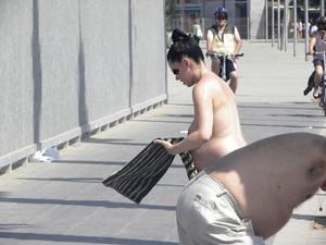 Pregnant-Girl-Topless-On-Beach-d7ddv42v6y.jpg